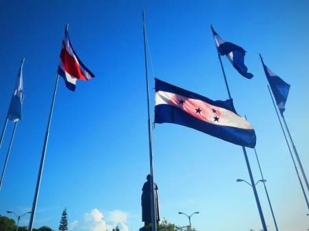 Bandera en UNAH